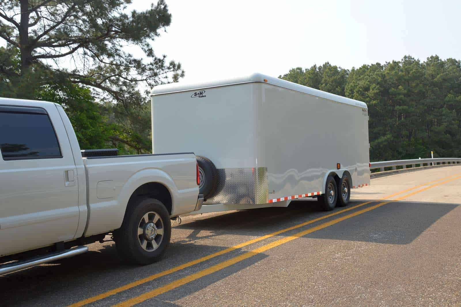 Get the Right Enclosed Trailer Accessories